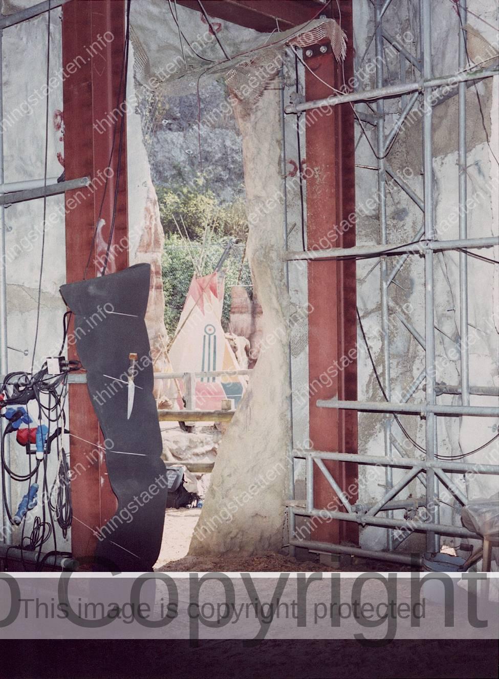 Bad Segeberg Freilichtbühne Kalkbergbühne Karl-May-Festspiele Thingstätte Architektur Amphitheater Nationalsozialismus Erinnerungskultur interdisziplinäres Forschungsprojekt Kunst und Wissenschaft FH Bielefeld Katharina Bosse analoge Fotografie Mittelformat